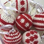 The Art Social at Home - Crochet festive Baubles