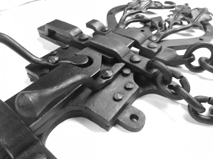 Gothic Heavy Latch