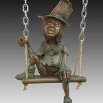 Ojo/bronze sculpture